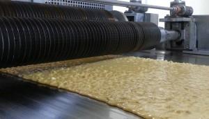 Brittle nut crunches
